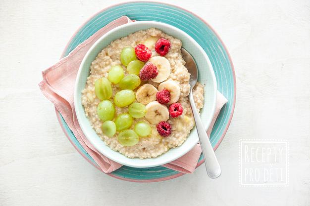 Skvělá ovesná kaše s ovocem a medem (bez laktózy!)