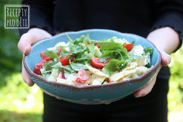 Za minutku vařeno: rychlý letní těstovinový salát