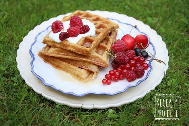 Křupavé jogurtové vafle: dokonalá snídaně pro první prázdninový víkend!