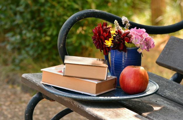 Knižní novinky: čerstvá dávka čtení pro mámy, školáky i zvídavá mrňata