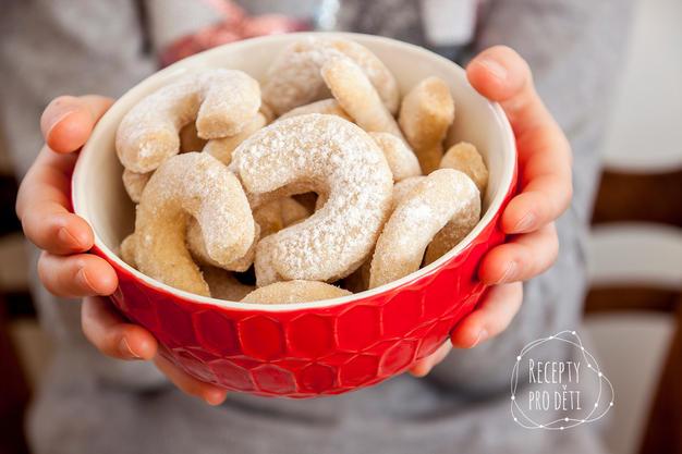 Vánoční cukroví: Křehké vanilkové rohlíčky