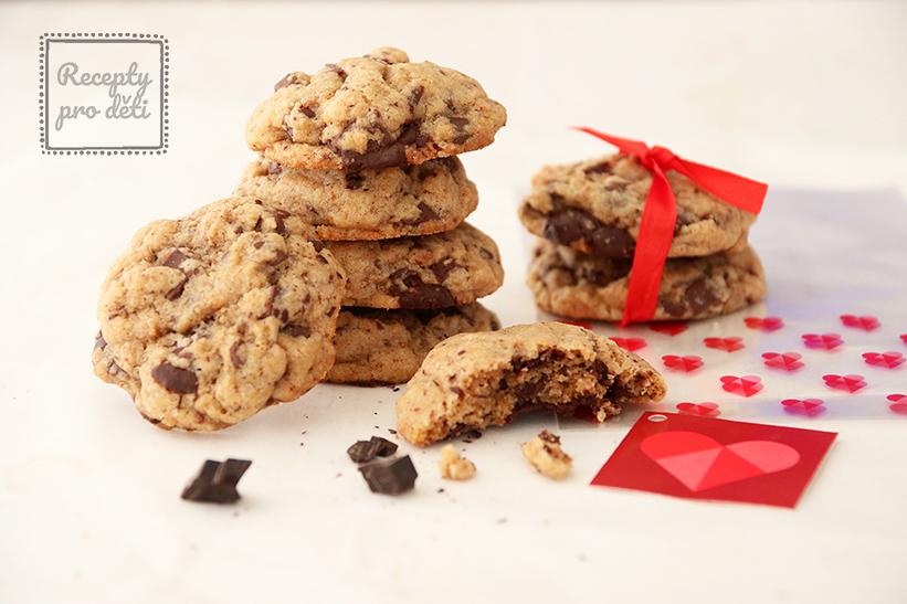 Valentýn se blíží, upečte s dětmi americké cookies
