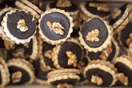 Ořechové cukroví s čokoládovým krémem