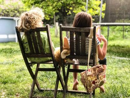 NOVINKY: 7 knížek na dovolenou pro vás i vaše děti…